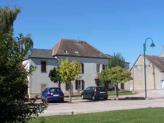 APPARTEMENT T4 / 89 m² (AGENCE DOMERAT)