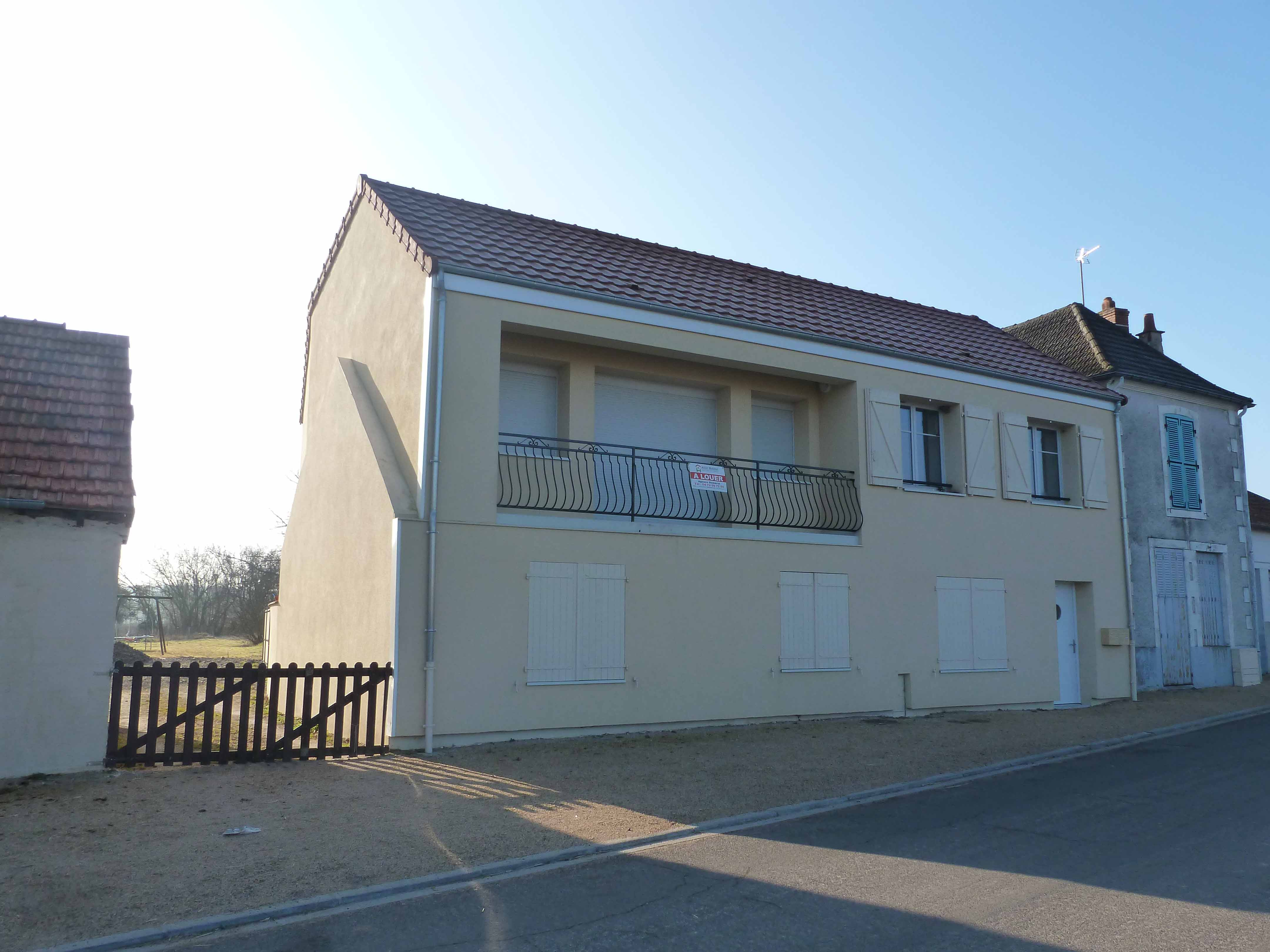 APPARTEMENT T4 / 94.34 m² (AGENCE DOMERAT)