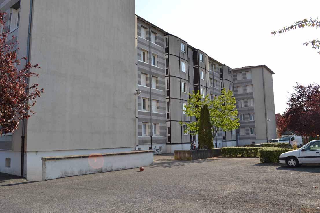 APPARTEMENT T4 / 70 m² (AGENCE YZEURE)