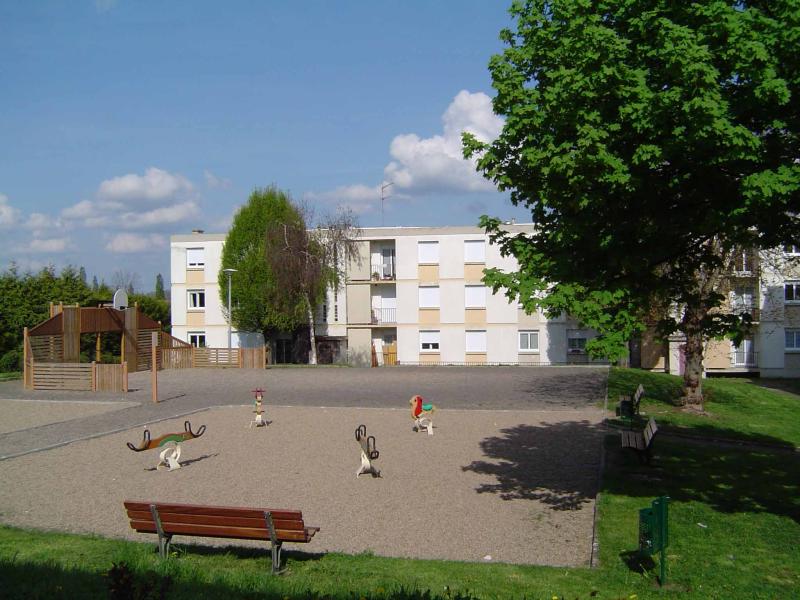 APPARTEMENT T4 / 73 m² (AGENCE DE CUSSET)
