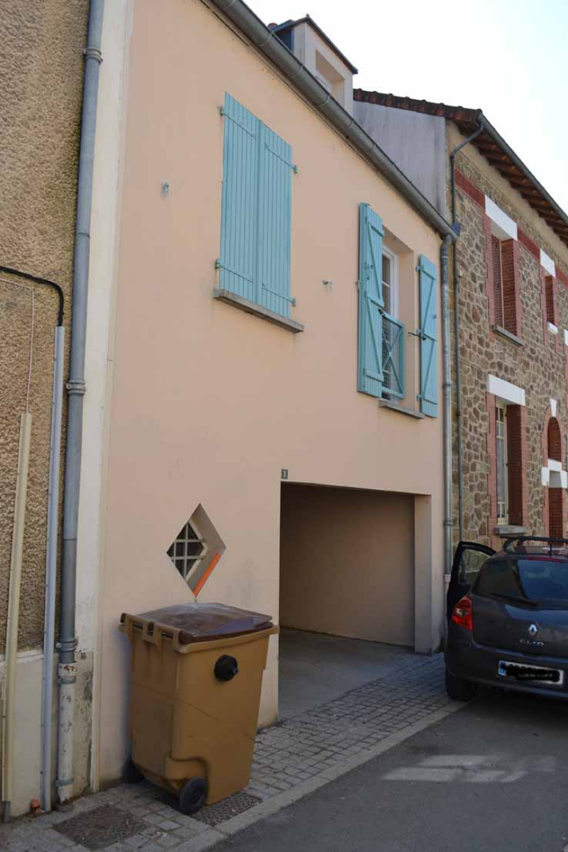 APPARTEMENT T3 / 69.2 m² (AGENCE DOMERAT)