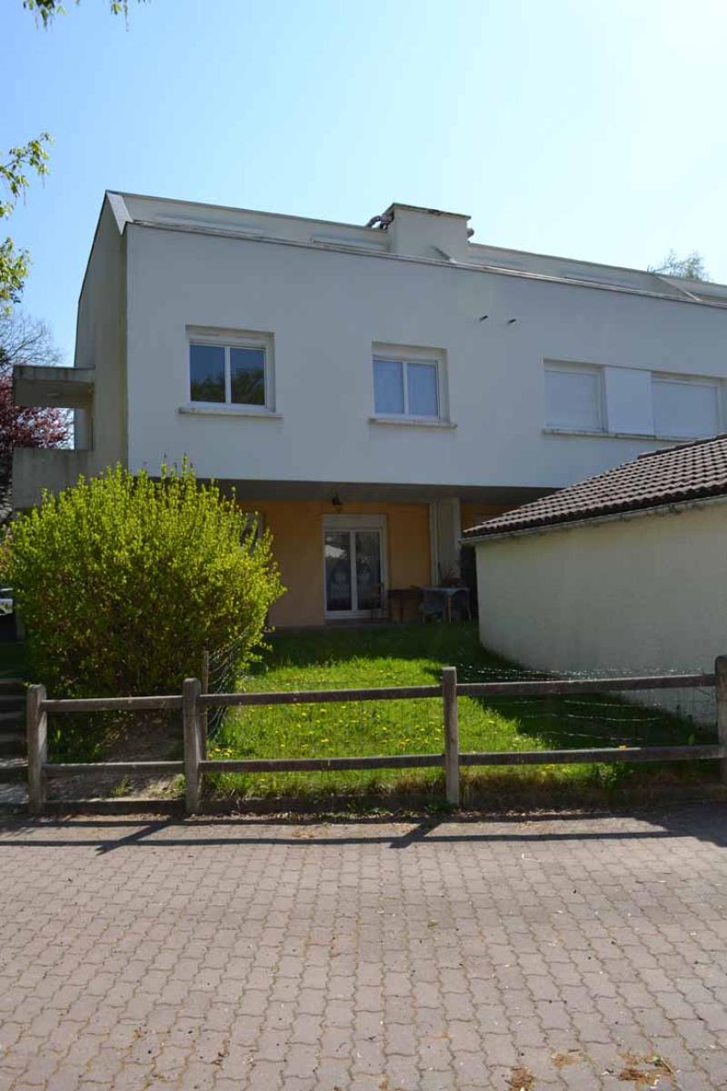 APPARTEMENT T4 / 78,3 m² (AGENCE DE CUSSET)