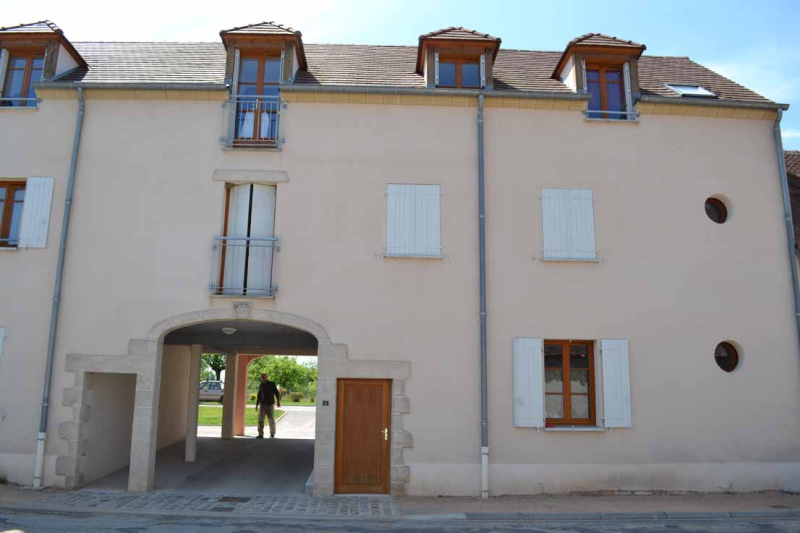 APPARTEMENT T2 / 49.6 m² (AGENCE DOMERAT)